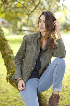 MAPLE @maple_col Cazadora verde militar / Green drill cotton jacket ///  + láser Military Jacket, Jackets, Fashion, Hunter Green, Down Jackets, Moda, Field Jacket, Fashion Styles, Military Jackets