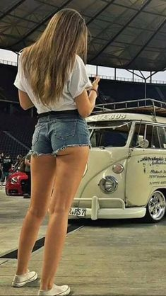 Our Top 10 Exercises to Tone Your Butt – Health Volkswagen Minibus, Vw T1, Vespa, Ibiza, Bus Girl, Sweet Jeans, Combi Vw, Surfer Girl Style, Native American Women