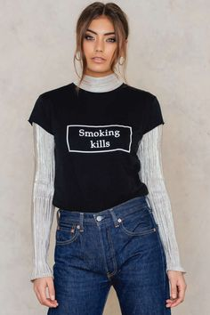 Tee with a important statement! The Smoking Kills Tee by NA-KD Trend features raw edges and a statement print at center front. Loose Shirt Outfit, My T Shirt, Shirt Print, Smoking Kills, Loose Shirts, Blue Tops, Fashion Online, Women Wear, T Shirts For Women