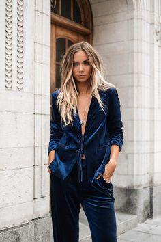 blauer Samtanzug für Damen im Boho-Stil