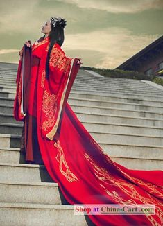 .Traditional Chinese Hanfu Phoenix Wedding Dress for Brideshttp://pinterest.com/nextbrides/ethnic-and-religious-wedding-items/#
