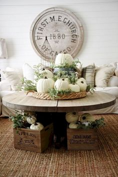 Gorgeous 49 Awesome Modern Fall Decor Ideas https://homeylife.com/49-awesome-modern-fall-decor-ideas/
