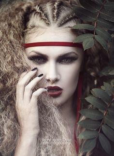 Hidden by Amanda Diaz - Photo 63101011 - Beauty Photography, Portrait Photography, Fashion Photography, Portrait Inspiration, Hair Inspiration, Amanda Diaz, Avant Garde Hair, Foto Fashion, Grunge Hair