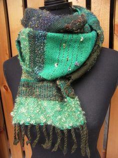手織りのマフラー さをり織り ループいっぱいグリーン
