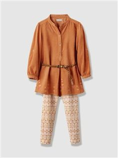Conjunto vestido + leggings, para menina