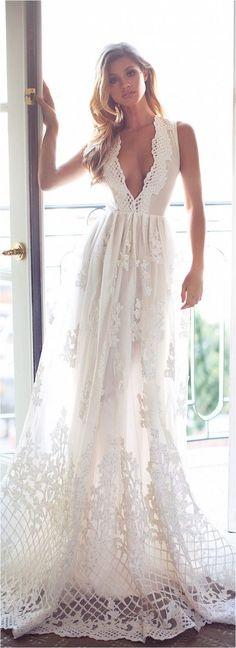 85 Comfortable Beach Wedding Dresses Inspiration 2017 https://femaline.com/2017/03/11/85-comfortable-beach-wedding-dresses-inspiration-2017/