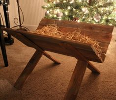 manger <3. This gives you great details on how to make it. I think you could just as easily make it from pallet wood. And; I doubt the baby Jesus would be worried about what you made it from.