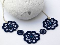 Textile Jewelry and Accesories di lindapaula su Etsy