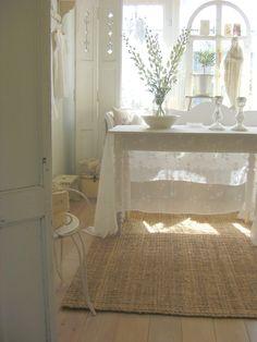 We love the sheer tablecloth - #Chiffon #FabricOfTheWeek http://www.offsetwarehouse.com/super-fine-chiffon.html