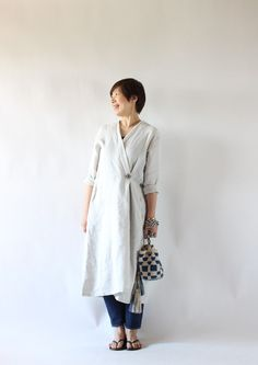 Japanese Streets, Japanese Street Fashion, Natural Clothing, Weather Wear, Duster Coat, Normcore, Street Style, Shirt Dress, Clothes For Women