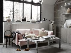 Some inspiration from Ikea Livet Hemma today, with two very different living room looks. The first is a soft minimalism style living room...