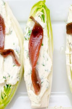 Endivias con queso y anchoas/Endive with blue cheese and cured anchovy Finger Food Appetizers, Appetizer Recipes, Good Food, Yummy Food, Cooking Recipes, Healthy Recipes, Mediterranean Recipes, Food Inspiration, Food To Make