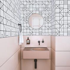 Farmhouse bathroom wallpaper interior design New Ideas Luxury Kitchen Design, Modern Bathroom Design, Bathroom Interior Design, Modern House Design, Kitchen Interior, Interior Decorating, Bath Design, Vanity Design, Luxury Kitchens