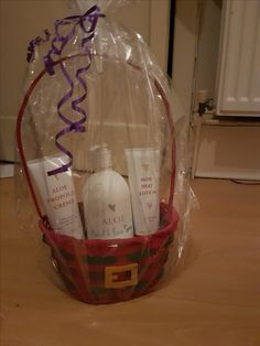 How cute is this wee Santa themed basket? This would make an excellent present for your secret santa