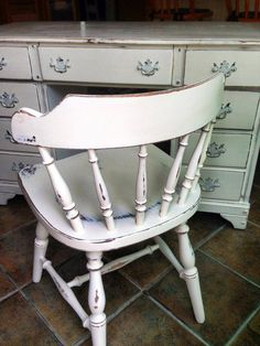 Annie Sloan Old White Using Chalk Paint, Chalk Painting, Painting Furniture, Furniture Projects, Diy Furniture, Distressed Furniture, Vintage Furniture, Cupboards, Cabinets