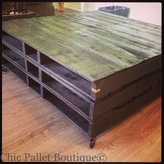 Pallet Coffee Table from Chic Pallet Boutique #chicpalletboutique #pallets #projects #pallettable #diy #table #coffeetable #chic #Padgram