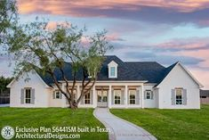 Southern House Plans, Family House Plans, Barn House Plans, Southern Homes, New House Plans, Dream House Plans, House Floor Plans, My Dream Home, Texas House Plans