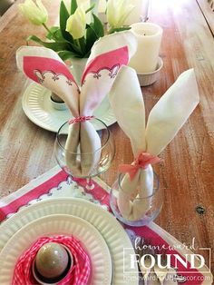 here's a quick project to add sweet smiles to your Easter tablescape: make plain old napkins new: fold them into bunny ear shapes! Bunny Napkin Fold, Paper Napkin Folding, Easter Table Settings, Easter Table Decorations, Easter Decor, Easter Ideas, Holiday Decorations, Burlap Ribbon Crafts, Christmas Tree Napkins