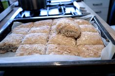 Ukemeny for uke 1 Baking Recipes, Cake Recipes, Norwegian Food, Yeast Rolls, Bread And Pastries, Biscuit Cookies, No Bake Desserts, Bread Baking, Food For Thought