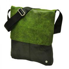 La Plaza - Ruime schoudertas van autoband met leren klep - groen. De tas is gemaakt van hergebruikte binnenbanden van vrachtwagens en semi-eco leer