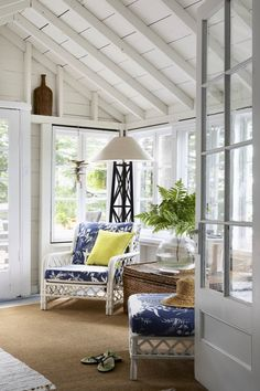 Blue and White - Design Chic
