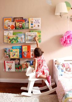 room: acrylic bookshelves & a library wall - pepper des Creative Kids Rooms, Cool Kids Rooms, Library Wall, Bookshelves Kids, Ideas Hogar, Design Blog, Room Rugs, Child's Room, Little Girl Rooms