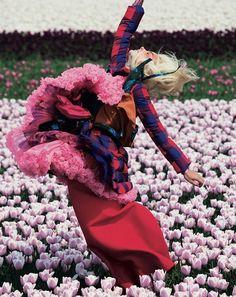 In Bloom,Lisanne de Jong by Viviane Sassen forDazed & Confused...in motion
