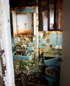 Bathroom inside hotel room at the abandoned Grossingers Catskills Resort
