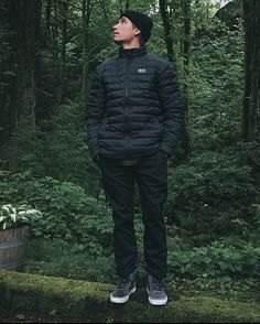 Take the trek less traveled in the weather-ready 66th Parallel MTE Jacket from Vans.