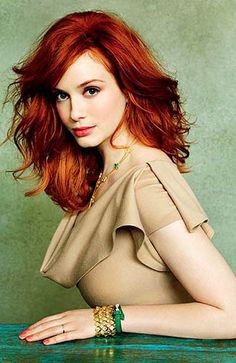 Soft look for fair skin beauties, Love it :-). 10- World's Most Beautiful Woman_Christina Hendricks