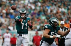 Eagles Monday motivation: Carson Wentz shown love by two of NFL's best