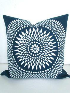 throw pillow covers | DECORATIVE THROW PILLOWS Throw Pillow Covers  Blue . #throwpillowcovers #whitedecorativepattern  #Thebluecorner