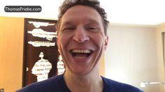 5. Dezember - Powerimpuls #5 Hahahhahhhahhaaa… uuuuhhhaaaaahhhhaaaaa! Heute schon gelacht?  Na, dann jetzt aber. Der heutige Powerimpuls: Ein großer Spaß! Schreibe mir jetzt hier Deinen Lieblingswitz auf. Du glaubst es ist ein Kalauer? Egal. Immer her damit! Jetzt.  Auf meiner Seite ins Kommentarfeld. Hier geht's zu den anderen Video-Adventskalender-Powerimpulsen: https://coach-friebe.de