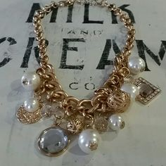 Pearl & Jewel necklace Gold pearl and jewel statement necklace! Great way to dress up any outfit! Jewelry Necklaces