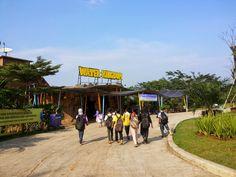 SHE IS EGIYANTINA: Water Kingdom Mekar Sari Park