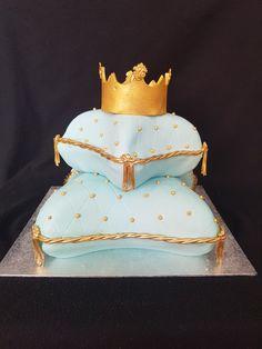 Pillow cake with crown / Kussen taart met kroon