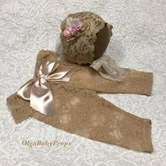 This listing is for lace pants and matching bonnet made in newborn size. Perfect addition to your photography prop collection and great for your next photo session.  As with ANY prop, please do not leave the baby unattended in this!   Find more props in my Etsy shop: