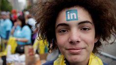 Linkedin: Peligro en Linkedin: así son los farsantes que te ofrecen trabajo para robar tus datos. Noticias de Tecnología   AdriBosch's Magazine