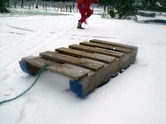 Pallet snow sledge love this reminds me when I was little and doing something like this but w no snow but ice lol...