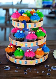 3-tier monster cupcakes for 2015 Halloween - party trests, food, sweets - LoveItSoMuch.com