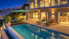 Aegea is a luxury self-catering holiday villa in Bantry Bay with 5 bedrooms.