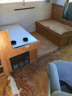 Kitchen living Reno: tear out flooring, recover seats and new table top.
