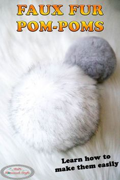 Crochet Beanies Learn the Secret to Making FAUX FUR POM-POMs easily with this photo and video tutorial. Crochet Hat For Beginners, Beginner Crochet Projects, Knitting Projects, Sewing Projects, Loom Knitting, Knitting Patterns Free, Free Pattern, Loom Patterns, Stitch Patterns