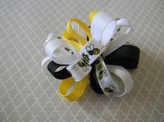 Bee's by camlisa on Etsy, $2.75