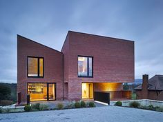 Hall McKnight's Church Road house is three brick blocks