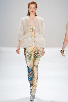 Nanette Lepore Fall 2011 Ready-to-Wear Fashion Show - Julia Johansen