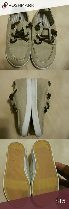 Toddler Boy Casual Khaki Shoes Would go great with shorts or slacks & jeans. Worn maybe 2 or 3 times. Still in great condition. No visible flaws. From nonsmoking and pet free home. Old Navy Shoes Dress Shoes