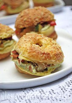 Paris-Brest aux légumes rôtis et au bacon, sauce fromage et pesto (!!!!)