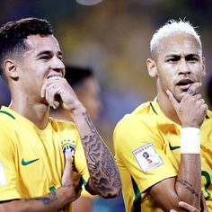 Coutinho and Neymar in Brazil v Bolivia match Brazil Players, Neymar Pic, Neymar Football, Soccer Memes, Brothers In Arms, Fc Barcelona, Football Players, Messi, Sexy Men