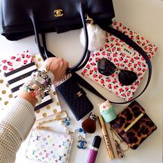 What's in My Bag via Iconosquare What's In My Backpack, Backpack Purse, My Bags, Purses And Bags, Inside My Bag, What's In My Purse, Purse Essentials, Types Of Handbags, What In My Bag
